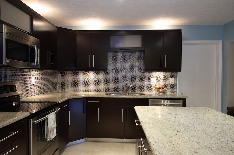 kitchen backsplash ideas with dark cabinets - Kitchen Design Ideas Dark Cabinets