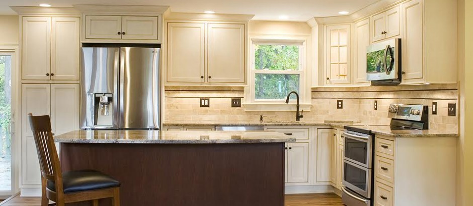 Showplace Cabinets and Crema Bordeaux Granite