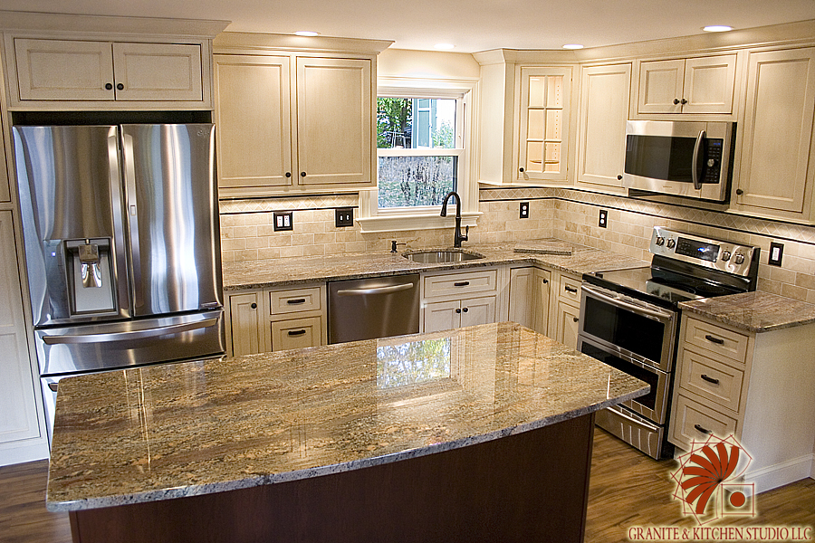 Grey Kitchen Cabinets With Subway Tile